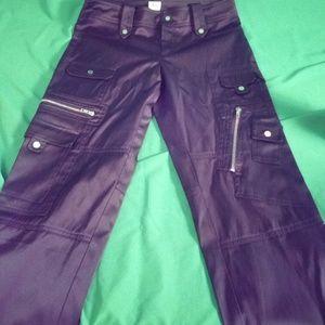 Cache black satin Cropped cargo pants size 6